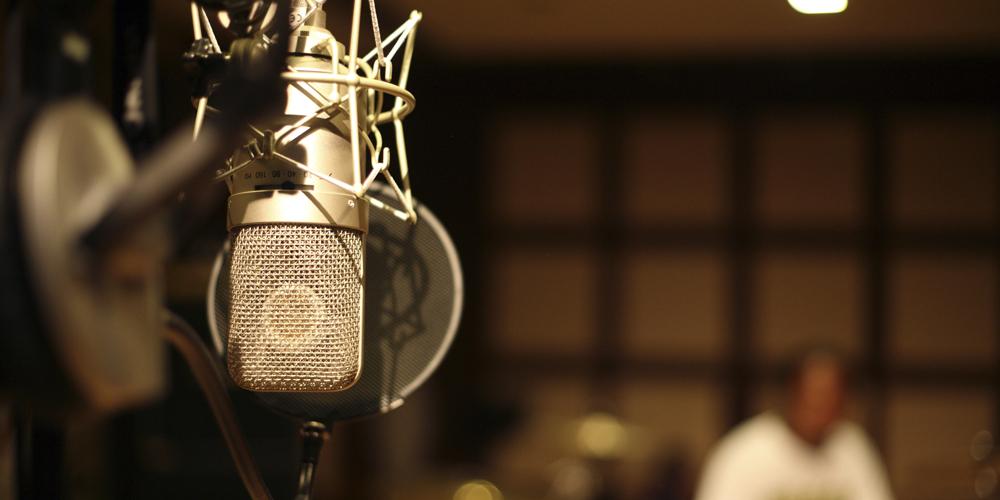 アニメ音響監督になるためには、専門学校で学ぶ方法がおすすめ