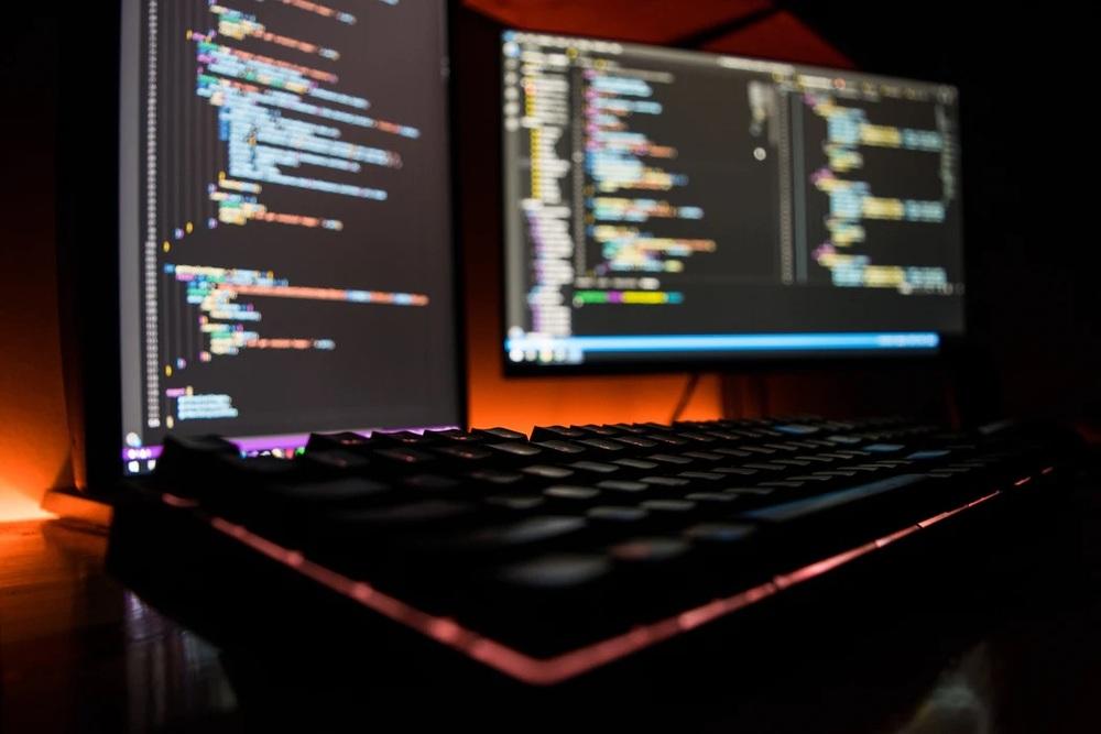 ゲームプログラマーとは!仕事の内容や必要な5つの能力・資格などを解説