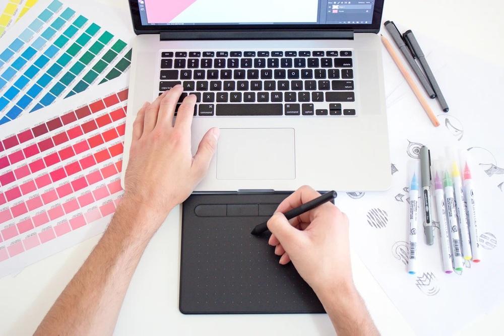 まとめ:グラフィックデザイナーになるには学校でスキルを身につけるのが近道