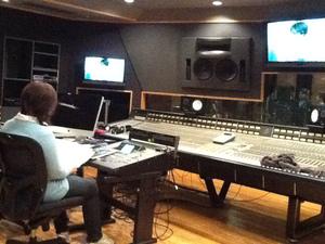 レコーディングスタジオでは・・